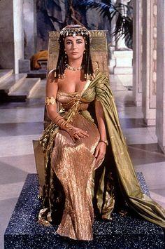 Elizabeth Taylor as Cleopatra - stunning