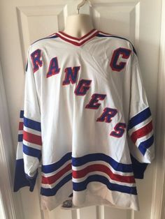 VTG-90s-Brian-Leetch-New-York-Rangers-White-Captain-Jersey-52-R-Authentic-Cosby
