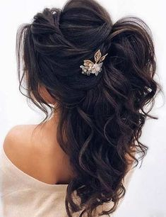 Unique hairstyles for the bridesmaid - - frisuren haare hair hair long hair short Wedding Hairstyles Half Up Half Down, Wedding Hairstyles For Long Hair, Unique Hairstyles, Wedding Hair And Makeup, Bride Hairstyles, Hair Wedding, Hairstyle Ideas, Perfect Hairstyle, Hairstyle Wedding