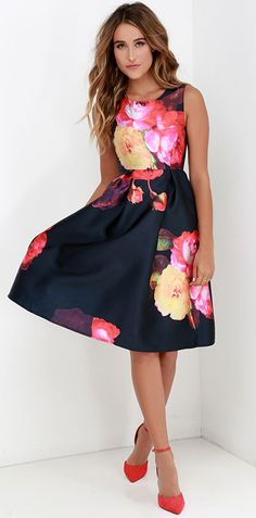 Waltz your way into a wonderful evening with the Ballroom Bloom Navy Blue Floral Print Midi Dress! Satiny fabric decorated with vibrant blooms shapes a sleeveless midi dress. Estilo Floral, Dress Skirt, Dress Up, Floral Fashion, Fashion Outfits, Womens Fashion, Woman Outfits, Trendy Fashion, Fashion Shoes