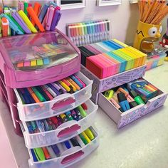 41 amazingly creative ideas to organize your craft room (can inspire 11 16 Study Room Decor, Cute Room Decor, Study Rooms, Bedroom Decor, School Stationery, Cute Stationery, Cute School Supplies, Desk Organization, Stationary Organization