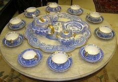 Blue Willow China, Blue And White China, Auld Lang Syne, Blue Dishes, Willow Pattern, China Patterns, Tea Sets, White Decor, Cutlery