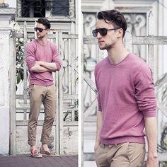 Men'S fashion › fashion for 30 year old men men's pink crew-neck sweater, khaki chinos, black sunglasses Stylish Men, Men Casual, Casual Pants, Moda Blog, Sharp Dressed Man, Black Sunglasses, Pullover, Mode Style, Men Looks