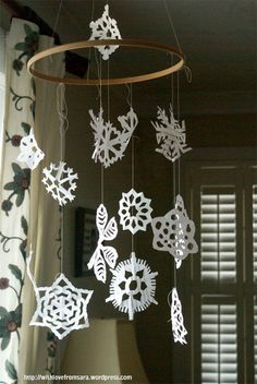 Snowflake mobile tutorial with link to snowflake patterns How To Make Snowflakes, Paper Snowflakes, Wooden Embroidery Hoops, Quilting Thread, Kinetic Art, Snowflake Pattern, Recycling Bins, Creative Kids, Just Giving