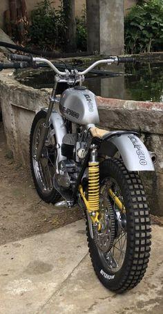 Bultaco Motorcycles, Scrambler Motorcycle, Moto Bike, Cool Motorcycles, Vintage Motorcycles, Custom Street Bikes, Custom Bikes, Motorcycle Design, Bike Design