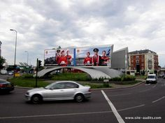 @Outdoor_Plus #DOOH at #Vauxhall is one best for colour/clarity/impact for (the GR8) @ManUtd & @AeroFlotManUtd
