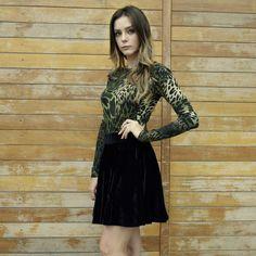 Novidades na loja online Body army e saia godê em veludo cristal.  Compre na loja online, link na bio: www.horadediva.com.br/loja  #bodyarmy #bodyestampado #bodyfeminino #bodymangalonga #bodydecotado #bodydecote #army #saiaveludo #saiagode #saiagodeveludo #moda #modafeminina #outono #outonoinverno2017 #top #style #fashion #fashionpic #instagood #instafashion #trendalert