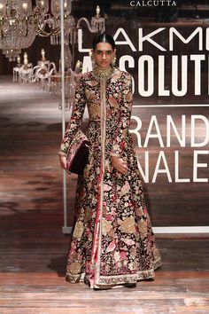 Absolute Grand Finale By Sabyasachi At Lakme Fashion Week 2016 - PK Vogue Fashion Week 2016, Lakme Fashion Week, India Fashion, Asian Fashion, Fashion Suits, Women's Fashion, Indian Attire, Indian Wear, Indian Style