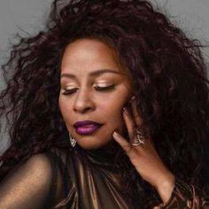 """Chaka Khan """"Like Sugar"""" Soul Singers, Female Singers, Chaka Khan, Keyshia Cole, African Models, James Brown, Wow Products, Beautiful Black Women, Hair Goals"""