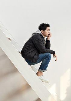 Song Joong Ki - Topten (S/S '17) Song Joong Ki Cute, Song Joong Ki Birthday, Song Joon Ki, Sun Song, Korean Drama Series, Innocent Man, 22 November, Song Hye Kyo, Sabrina Carpenter