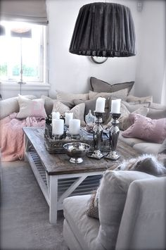 I LOVE the pale winter colors & the comforting feeling this living room gives off!