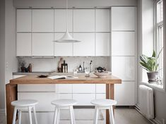 Styling by Grey Deco, photography by Jonas Berg #interiordesign #homedecor #homedecoration #interiordesignideas #interiorstyling #homedecorideas #homedesign #interiores #interior4all sweet home make sweethomemake