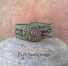 Turquoise Green Copper Beaded Wrap Cuff Bracelet - The Indian Princess in Topaz and Teal Bracelets Wrap En Cuir, Beaded Cuff Bracelet, Cuff Bracelets, Leather Bracelets, Princesa India, Wrap Bracelet Tutorial, Super Duo Beads, Indian Princess, Green Copper