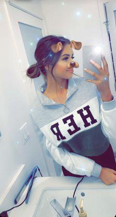 Cute Girl Photo, Girl Photo Poses, Girl Photos, Snapchat Selfies, Snapchat Girls, Sad Girl Photography, Tumblr Photography, Instagram Pose, Instagram Girls