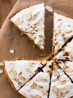 Almond Pumpkin Spice Breakfast Cake with Vanilla Bean Greek Yogurt Frosting | veggieandthebeastfeast.com