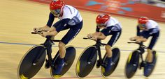 The British trio of Laura Trott, Dani King and Joanna Rowsell win GOLD in the women's cycling team pursuit