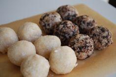 Organic Olivia :: Protein Truffles: Coconut Vanilla / Cookies & Cream + Eating Fat For Beautiful Skin Organic Whey Protein, Vanilla Cookies, Eat To Live, Cookies And Cream, Cream Recipes, 4 Ingredients, Pistachio, Truffles, Good Food