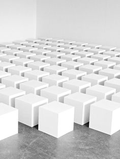 Grid/Matrix: This installation features equally sized cubes arranged in a grid. They are all spaced equally. Land Art, Cubes, Contemporary Abstract Art, Elements Of Design, Hanging Art, Art Logo, Installation Art, Sculpture Art, Minimalism
