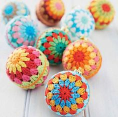 I made my decorative baubles in cotton sportsweight yarn, but the pattern is suitable for light DK yarn as well. Just match your hook to your yarn:)