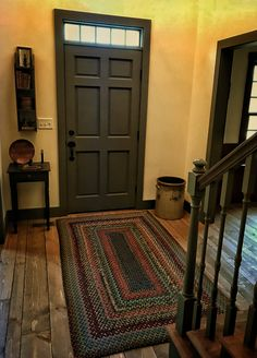 primitive homes daily crossword Primitive Living Room, Primitive Homes, Country Primitive, Foyer Decorating, Decorating Ideas, Decor Ideas, Small Entryways, Country Decor, Country Charm