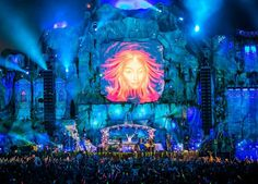 So many Time | So little Vine: ^^^^^^^^^^^^^^^^^Tomorrowland^^^^^^^^^^^^^^^^^^^