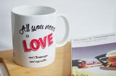 Mug Tasse All you need is love champagne par decartonetdetoiles
