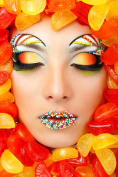 Candy Lips. Sunset eyes, Circus Brows... OH MY.
