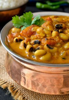 This curried vegetarian black-eyed peas recipe is an easy to prepare, lightly-spiced mild coconut curry that's great for people who don´t like spicy curry.