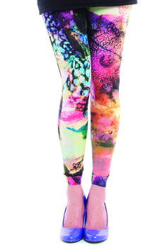 Maternity leggings with bump panel and natural waistline. No readjusting, no muffin top. WWW.BABEMATERNITY.COM