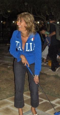 Perfetta la felpa Italia per una partita a minigolf
