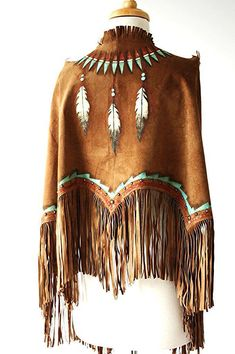 This is a very beautiful handmade and hand painted Indian Nation Feather Shield deer suede leather shawl. One size fits all. A great shawl to fend off the evening chill! Cowgirl Mode, Cowgirl Chic, Cowgirl Style, Cowgirl Fashion, Gypsy Cowgirl, Native American Clothing, Native American Fashion, Native American Indians, American Jewelry