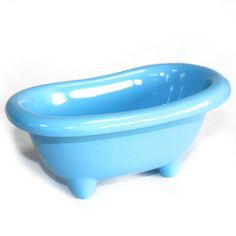 Top quality ceramic mini bath for storing bathroom accessories (or even presenting a mini bottle of champagne) will bring a touch of class to any bathroom. Bathtub Decor, Bamboo Box, Bath Bomb Gift Sets, Large Baths, Mini Bottles, Wellness Tips, Home Gifts, Baby Blue, Bath And Body