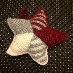 34 Trendy Ideas For Crochet Christmas Stocking Ornament Mom Crochet Baby Socks, Crochet For Kids, Doll Clothes Barbie, Crochet Doll Clothes, Mobiles, Christmas Afghan, Crochet Christmas, Crochet Blanket Edging, Crochet Headband Pattern