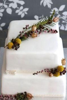 Rustic Wedding Cake - Canada's Prettiest Wedding Cakes For 2016 Pretty Wedding Cakes, Square Wedding Cakes, Amazing Wedding Cakes, Fall Wedding Cakes, Square Cakes, White Wedding Cakes, Unique Wedding Cakes, Wedding Cake Designs, Wedding Cake Toppers