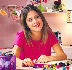 Vio2 Violetta Outfits, Violetta Disney, Disney Channel, Purple Wall Paint, Disney Shows, New Life, Favorite Tv Shows, Boy Or Girl, Videos