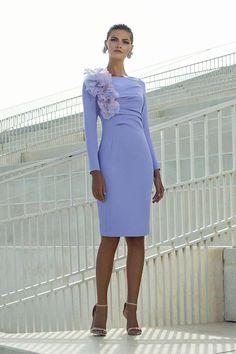 Vestidos de fiesta Carla Ruiz 2018 - Icicle Tutorial and Ideas Modest Dresses, Cute Dresses, Short Dresses, Elegant Outfit, Elegant Dresses, Fiesta Outfit, Robes D'occasion, Mother Of Bride Outfits, Couture Details