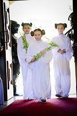 Nadia & Dale's wookiee boogie Star Wars wedding | Offbeat Bride