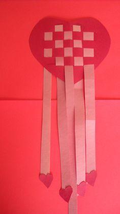 heart in hand woven   Woven Paper Heart Craft   KraftyKid
