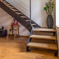Toulouse, Stairways, Shelves, Interior Design, Architecture, Simple, House, Cristiano Ronaldo, Home Decor