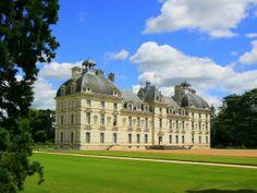 C'est le château de Cheverny, dans le Val-de-Loire, qui aurait inspiré à Hergé son château de Moulinsart.