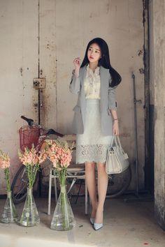daily 2017 feminine& classy look Korean Girl Fashion, Asian Fashion, Womens Fashion, Petite Fashion, Vogue Fashion, How To Look Classy, Korean Outfits, Classy Outfits, Swagg