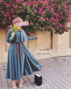 Fashion Tips Moda .Fashion Tips Moda Hijab Fashion Summer, Modern Hijab Fashion, Street Hijab Fashion, Tokyo Street Fashion, Hijab Fashion Inspiration, Muslim Fashion, Modest Fashion, Fashion Dresses, Fashion Ideas