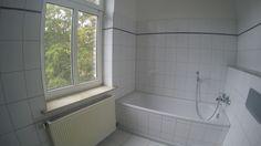 super coole günstige 3er WG taugliche 3 Zimmer  #Mietwohnung in der  #Sanierung,   #Wannenbad und  #Duschbad mit großem Fenster,  3 Wohn- und Schlafzimmer sowie offenes WohnKüchenBereich mit Diele und Garderobebereich #Halle/Saale #Halle.Bln24.de #BerlinImmobilienDüsseldorf #ferienwohnungen.bln24.de #wohnung.bln24.de #Berlin.Bln24.de #Berlin-Wohnungen.Bln24.de #instagram.com/thomasfishergmx.eu  #youtube.com/channel/UCjGsYwS0ojyq8SyF5Em94yw #pinterest.com/fisher7527 #twitter.com/berlin_ny
