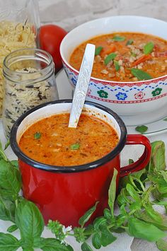 Zupa pomidorowa z mięsem mielonym - Damsko-męskie spojrzenie na kuchnię Cookbook Recipes, Wine Recipes, Soup Recipes, Cooking Recipes, Baby Food Recipes, Indian Food Recipes, Ethnic Recipes, My Favorite Food, Favorite Recipes