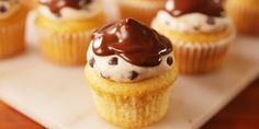 Best Cannoli Cupcakes Recipe - How to Make Cannoli Cupcakes