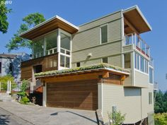 Your guide to modern homes in Portland Oregon. Featuring mid century modern, contemporary modern homes and condos for sale in Portland. Ultra Modern Homes, Modern Homes For Sale, Contemporary Architecture, Modern Contemporary, Homes In Portland Oregon, Lake Oswego, Condos For Sale, Modern Exterior, Devon