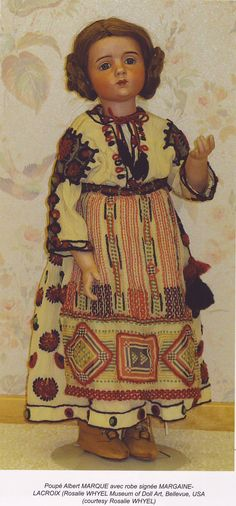 Marque doll from the Whyel Museum of Doll Art, in original Margaine Lacroix costume Old Dolls, Antique Dolls, Vintage Dolls, Doll Toys, Baby Dolls, Bear Doll, Doll Costume, Bisque Doll, Dollhouse Dolls