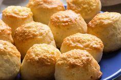 Ha nincs sok időd, ezt a sütőporos pogácsát akkor is el tudod készíteni. Jósolj vele Luca napján! Savory Pastry, Snack Recipes, Snacks, Drink Recipes, Food Website, Cornbread, Muffin, Baking, Breakfast