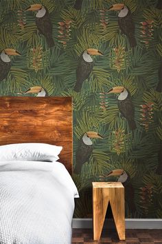 Our Graduate Collection Toucan Wallpaper designed by Alicia De Costa will add a great conversation piece to your home. The Toucan Wallpaper features these beautiful birds sat in wonderful vibrant tropical plants. Unusual Wallpaper, Feature Wallpaper, Botanical Wallpaper, Bird Wallpaper, Perfect Wallpaper, Trendy Wallpaper, Wallpaper Roll, Jungle Theme Rooms, Jungle Bedroom