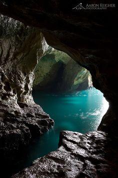 Grotte par Aaron Keigher sur 500px.com (Original Taille - Hauteur: 1000px - Largeur: 667px)